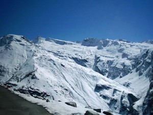 Kullu Manali Tour - Honeymoon Tour Package