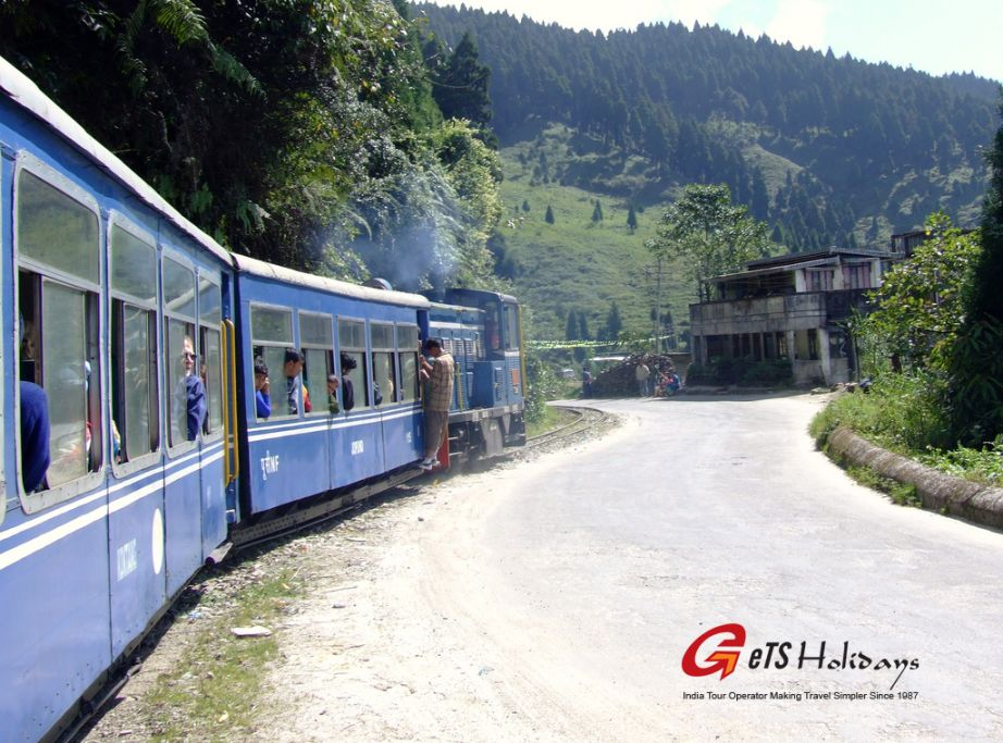 toy train rides in Darjeeling India