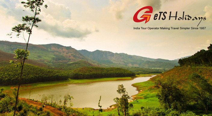 Celebrate Your Love at Romantic Munnar