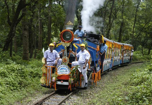 New Jalpaiguri to Darjeeling by the Toy Train