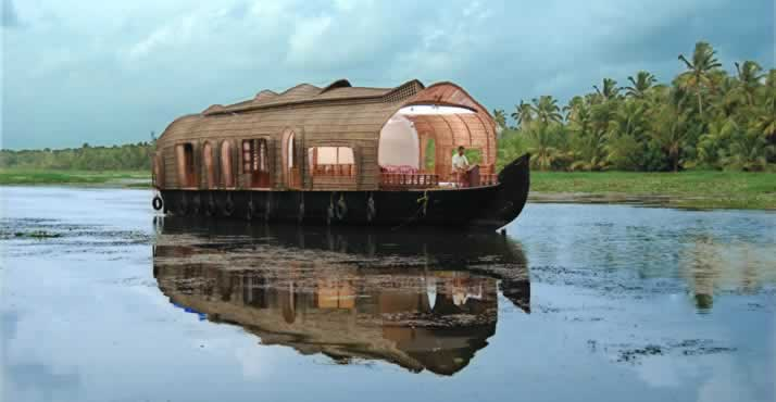 ashtamudi-backwaters-tours