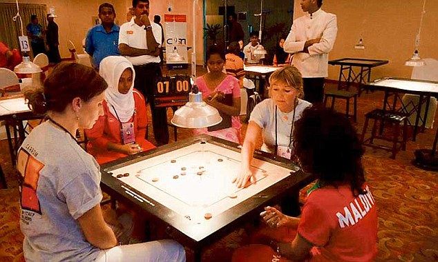 Art of playing Carrom