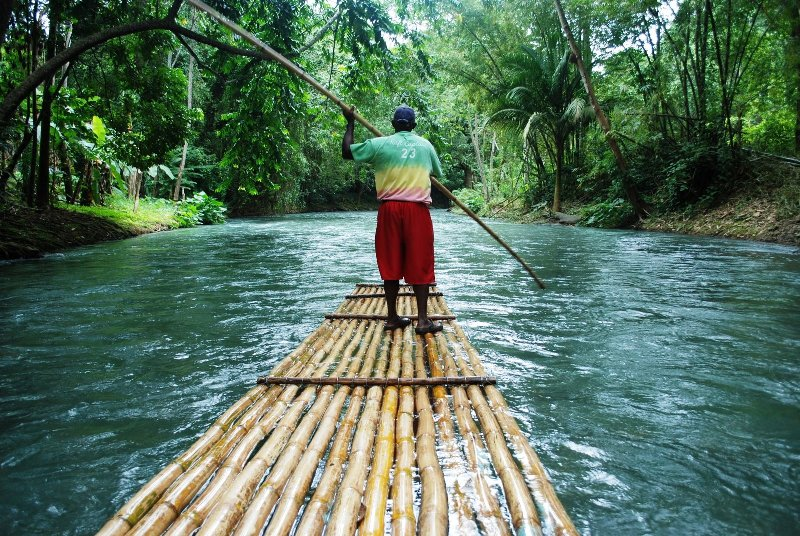 bamboo rafting in kerala