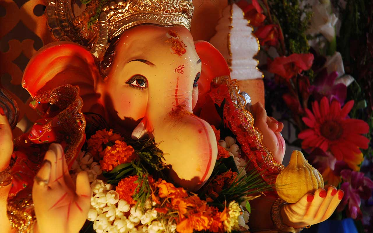 Ganesh Cahturthi, Lord Ganesh, Mumbai Tour packages, Mumbai Holidays, Gm=anesh Chaturthi in Mumbai