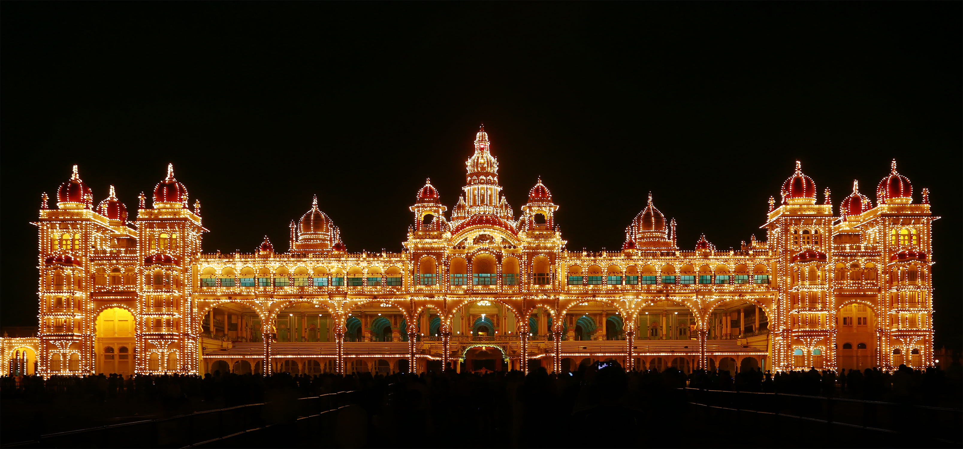 mysore_palace_illuminated